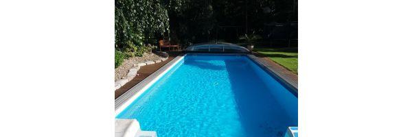 Schwimmbad und Zubehör