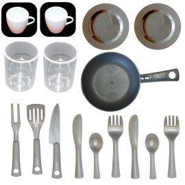 Smoby E20017 Küchenzubehör: großes Geschirrset aus Tassen, Becher, Pfanne, und Besteck